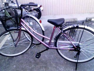 ピンクのチャリ.jpg
