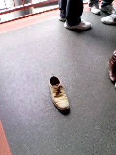 置いてきぼりの靴.jpg